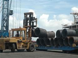 Không hạn chế việc nhập khẩu thép loại hai